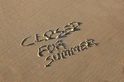 /public/news/292/9676404-a-summer-holiday-concept-closed-for-summer.jpg
